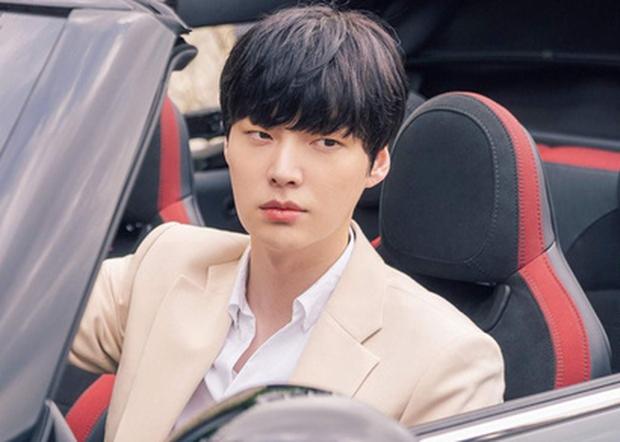 Nhìn Ahn Jae Hyun làm tổng tài điển trai ngất ngưởng ở phim mới, ai mà nghĩ anh đang có scandal cơ chứ! - Ảnh 3.