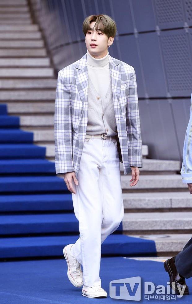 Seoul Fashion Week: Mỹ nam Trung Quốc chiếm sạch spotlight dàn sao Hàn vì đã đẹp trai bức người lại còn đầy khí chất - Ảnh 9.