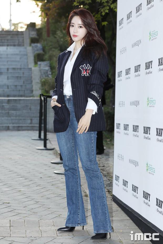 Seoul Fashion Week: Mỹ nam Trung Quốc chiếm sạch spotlight dàn sao Hàn vì đã đẹp trai bức người lại còn đầy khí chất - Ảnh 2.
