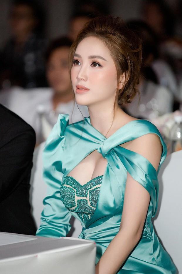 Bảo Thy mất công mặc trễ nải nhưng điều khiến netizen chú ý nhất lại là kiểu makeup xinh xuất sắc - Ảnh 2.