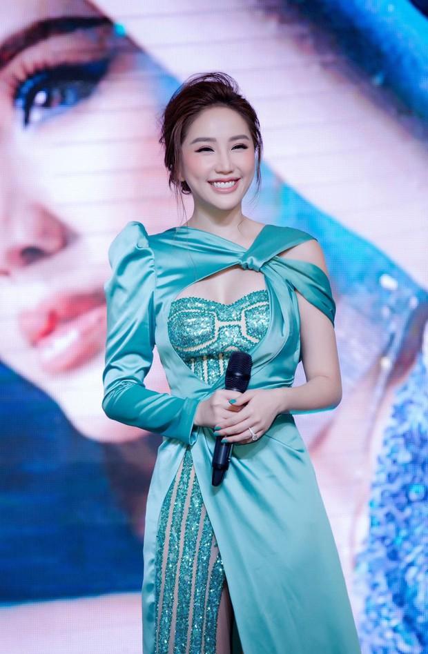 Bảo Thy mất công mặc trễ nải nhưng điều khiến netizen chú ý nhất lại là kiểu makeup xinh xuất sắc - Ảnh 1.