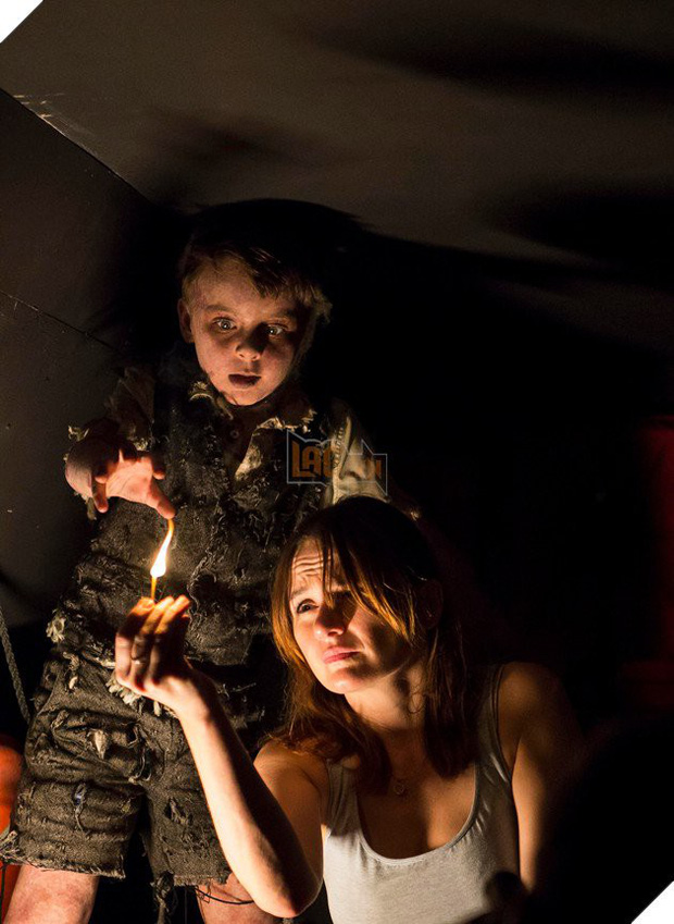 Phim rạp cuối tuần: Không khí Halloween đổ bộ, Chị đại Angelina Jolie chiếm trọn spotlight với Maleficent 2 - Ảnh 14.