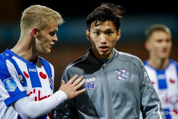 HLV SC Heerenveen khẳng định sẽ thay đổi nhiều vị trí trong đội hình: Văn Hậu vẫn chưa được xướng tên - Ảnh 1.