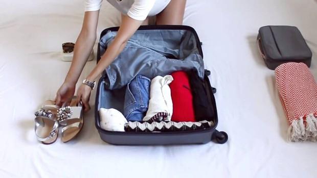Bỏ túi ngay các mẹo giúp bạn sống sót trên chuyến bay dài, mẹo cuối cùng đảm bảo thành công trong mọi trường hợp - Ảnh 12.