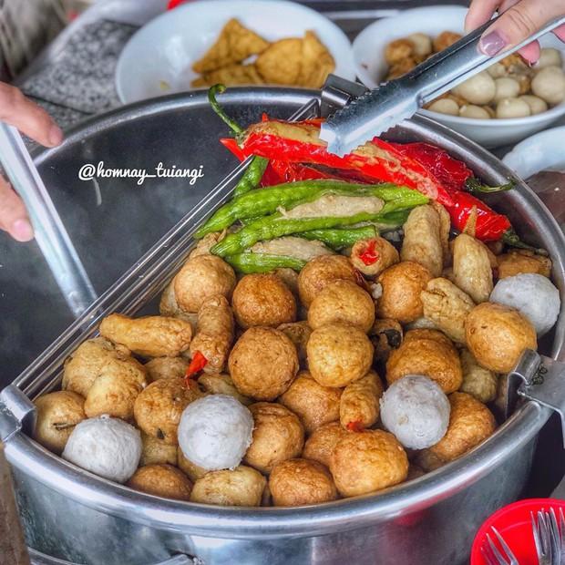 """Khổ qua cà ớt - món ăn nghe tên ngộ nghĩnh nhưng ngon """"số dzách"""" ở phố người Hoa Sài Gòn - Ảnh 3."""