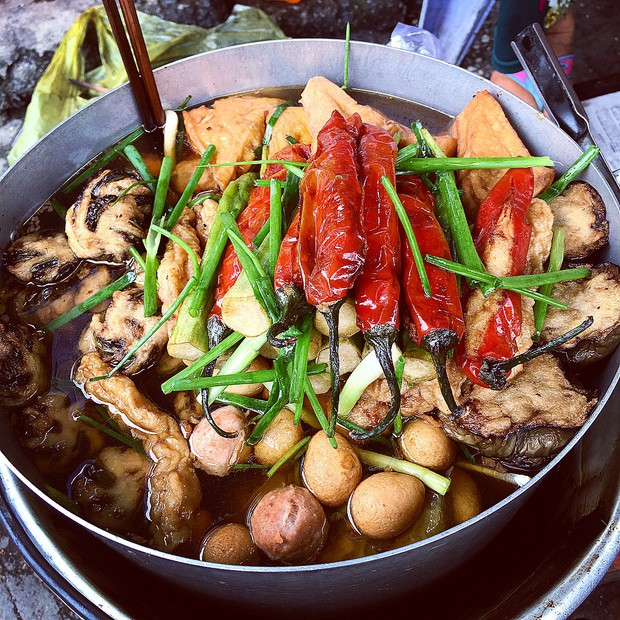 """Khổ qua cà ớt - món ăn nghe tên ngộ nghĩnh nhưng ngon """"số dzách"""" ở phố người Hoa Sài Gòn - Ảnh 9."""