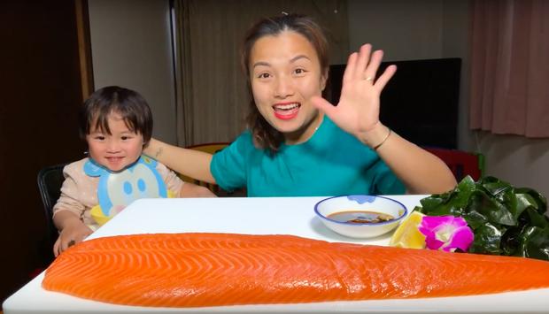 """Hiện tượng MXH Quỳnh Trần JP đang sở hữu 4 video khủng nhất nhì giới Youtube ẩm thực Việt: toàn món đắt tiền, mukbang đúng kiểu """"dạ dày không đáy"""" - Ảnh 18."""