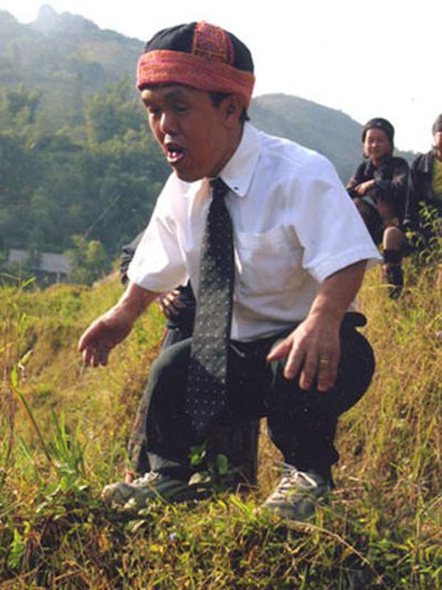 Chuyện chú lùn 65 tuổi ở phố cổ Hà Nội: Nói tiếng Anh lưu loát, chinh phục đỉnh Fansipan và 2 lần đặt chân lên nước Mỹ - Ảnh 5.
