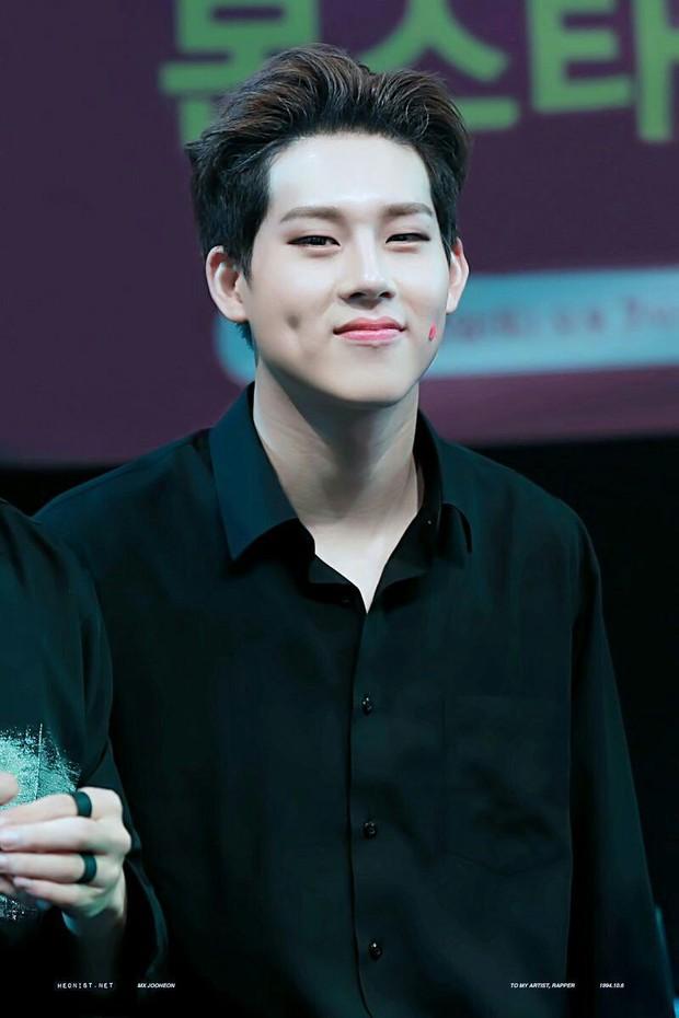 10 rapper đỉnh nhất Kpop do netizen bình chọn: Ngôi vương vừa lòng số đông nhưng thứ hạng của RM và Suga lại gây nhiều tranh cãi - Ảnh 9.