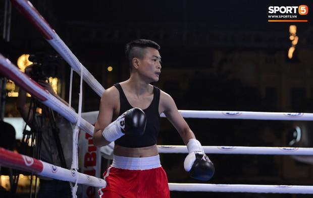 Victory 8: Đánh bại nhà vô địch Hàn Quốc, Nam vương Trương Đình Hoàng giành chiếc đai lịch sử cho quyền Anh Việt Nam - Ảnh 15.