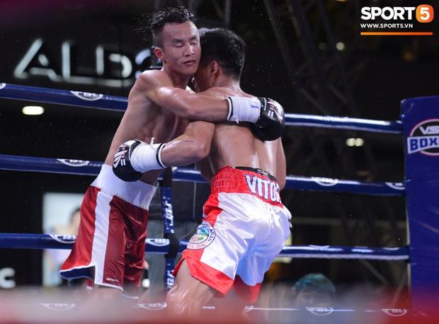 Victory 8: Đánh bại nhà vô địch Hàn Quốc, Nam vương Trương Đình Hoàng giành chiếc đai lịch sử cho quyền Anh Việt Nam - Ảnh 7.