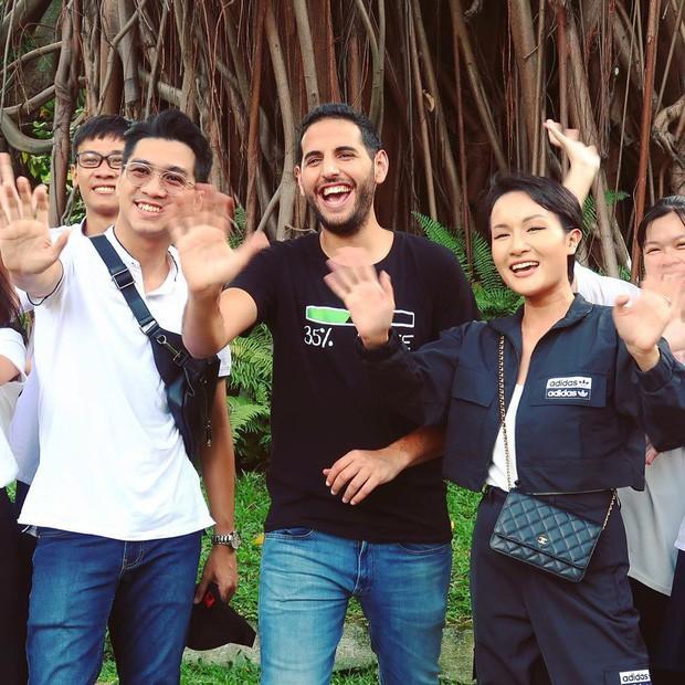 Ngày đầu ở Việt Nam, travel blogger Nas Daily đã thưởng thức 1 món đặc biệt ở quán của Quang Đại, nhưng sao lại chẳng thấy Giang Ơi và Pew Pew đâu? - Ảnh 4.