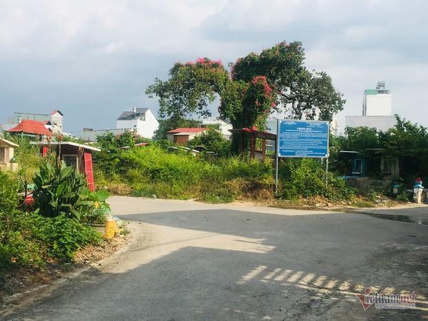Chuyện lạ ở khu đất vàng triệu đô Sài Gòn, dân khốn khổ vì mùi tử thi - Ảnh 2.