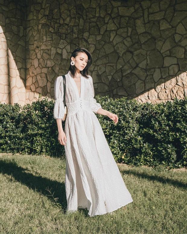 Bỗng thấy không kiểu váy nào vượt qua được váy dài về độ sang chảnh, yêu kiều và hợp rơ với tiết trời se lạnh - Ảnh 11.