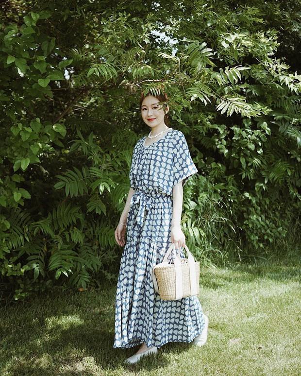 Bỗng thấy không kiểu váy nào vượt qua được váy dài về độ sang chảnh, yêu kiều và hợp rơ với tiết trời se lạnh - Ảnh 15.