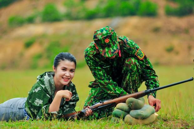 Thanh Hương (Quỳnh búp bê), Vương Anh (Về nhà đi con), hot streamer Độ Mixi... đối đầu trong show thực tế bắn súng - Ảnh 6.