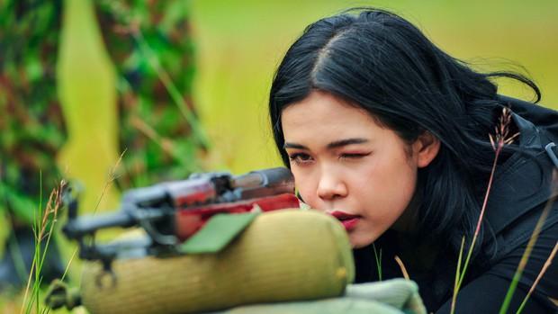 Thanh Hương (Quỳnh búp bê), Vương Anh (Về nhà đi con), hot streamer Độ Mixi... đối đầu trong show thực tế bắn súng - Ảnh 7.