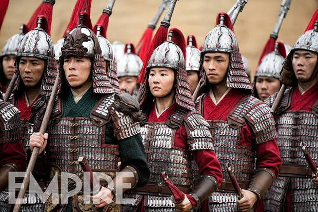 Mulan của Lưu Diệc Phi nhận về mớ gạch ở suất chiếu thử, Disney tức tốc quay bổ sung liền 4 tháng! - Ảnh 4.