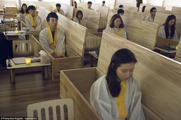 Hàn Quốc: Đất nước thịnh vượng nhưng không hề hạnh phúc, gần 40 vụ tự sát mỗi ngày và thế hệ N-po muốn buông bỏ mọi thứ kể cả sinh mạng - Ảnh 5.