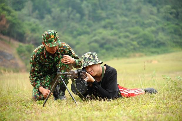 Thanh Hương (Quỳnh búp bê), Vương Anh (Về nhà đi con), hot streamer Độ Mixi... đối đầu trong show thực tế bắn súng - Ảnh 4.