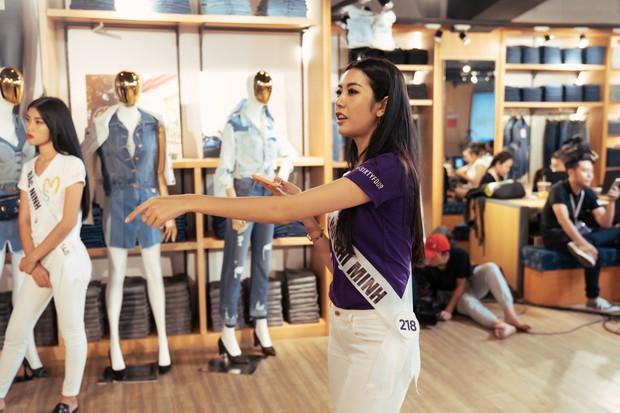 San sẻ việc với đội trưởng cũng bị bắt bẻ, Thúy Vân đang bị giám khảo Hoa hậu Hoàn vũ VN xử ép? - Ảnh 2.