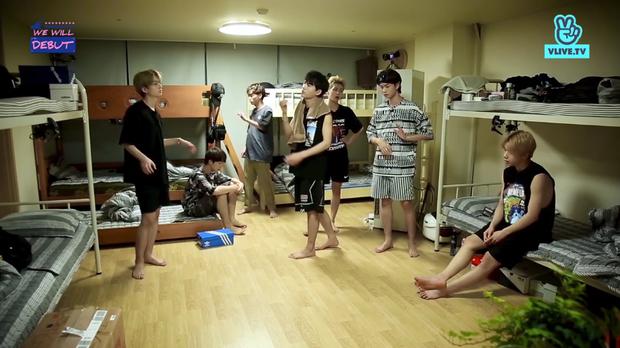 Chết cười khi xem 7 chàng trai D1Verse tập luyện hit iKON trong tình trạng ngái ngủ! - Ảnh 2.