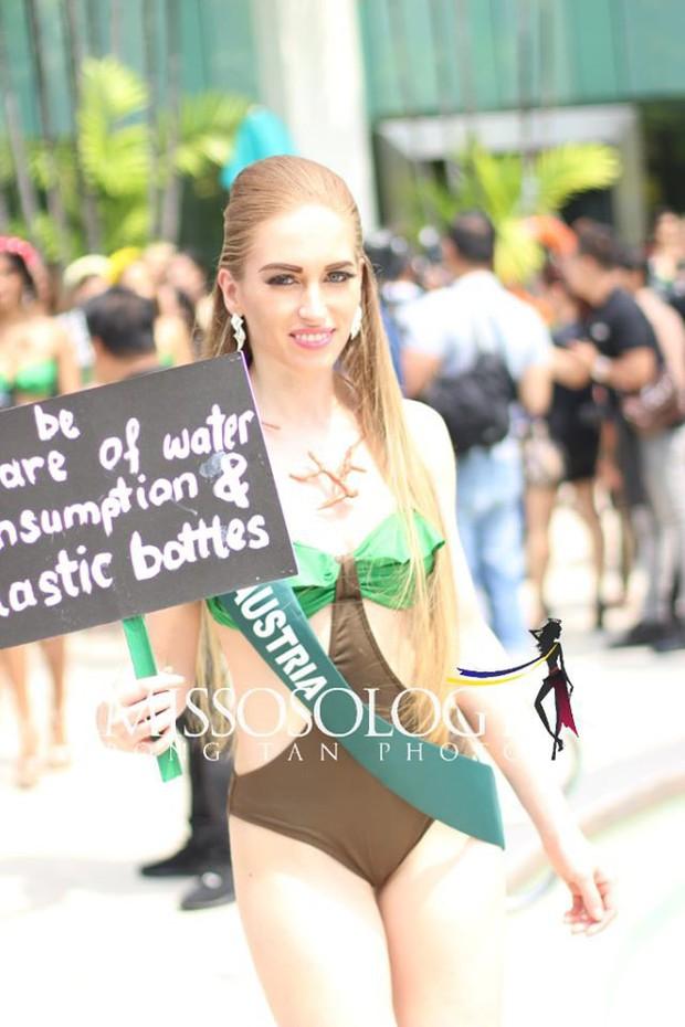 Đại diện Việt Nam diện bikini khoe body nổi bật, kéo đến dàn thí sinh Hoa hậu Trái đất 2019 đúng là hết hồn - Ảnh 13.