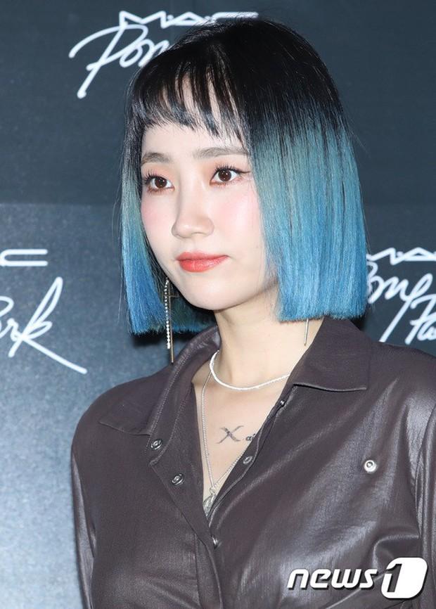 Nữ idol xấu nhất lịch sử Kpop lột xác quá đỉnh, nhưng màn hù dọa với mặt trắng bệch của dàn sao Hàn mới gây sốc - Ảnh 15.