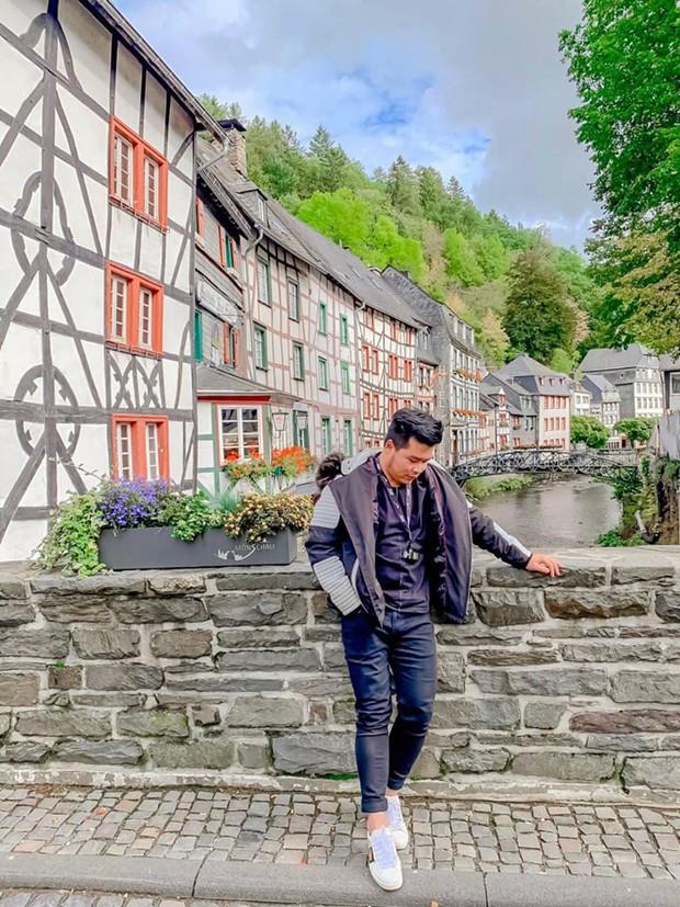 Lại phát hiện được một địa điểm độc - lạ trên bản đồ du lịch của giới trẻ: Monschau - thị trấn hưởng thụ của nước Đức - Ảnh 2.