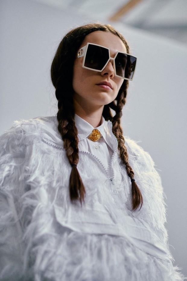 Paris Fashion Week tràn ngập những xu hướng beauty đẹp rụng rời, không ngắm quả là phí của giời - Ảnh 9.