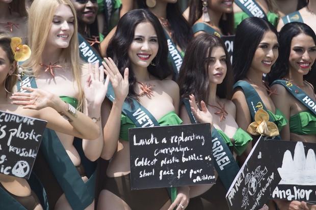 Đại diện Việt Nam diện bikini khoe body nổi bật, kéo đến dàn thí sinh Hoa hậu Trái đất 2019 đúng là hết hồn - Ảnh 2.