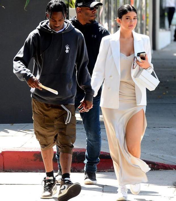 NÓNG: Tỉ phú tự thân trẻ nhất thế giới Kylie Jenner và Travis Scott đường ai nấy đi sau 2 năm và dù đã có con? - Ảnh 2.