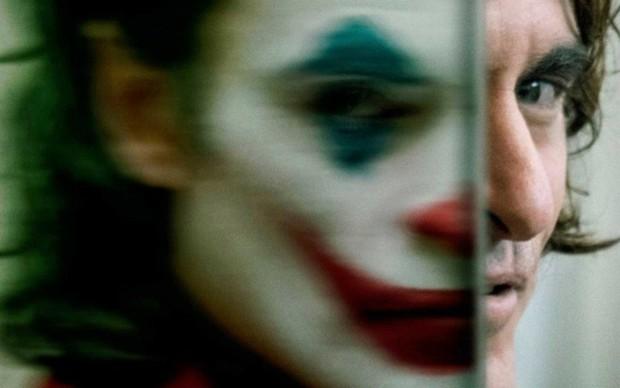 Review Joker: Tuyệt tác điện ảnh phi thường đến mức đẫm máu của Gã Hề! - Ảnh 8.