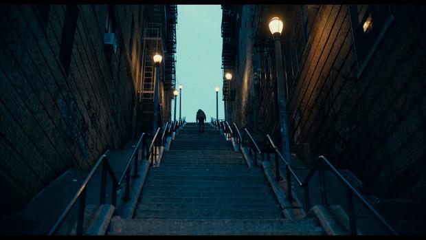 Review Joker: Tuyệt tác điện ảnh phi thường đến mức đẫm máu của Gã Hề! - Ảnh 4.