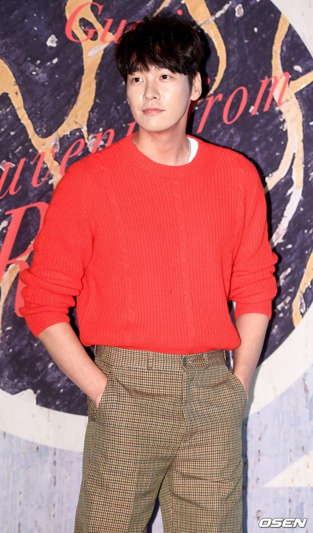 Sự kiện hội tụ dàn sao cực phẩm: Park Min Young đọ sắc nàng cử tạ, Lee Dong Wook hốc hác vẫn lấn át 3 tài tử hot - Ảnh 18.