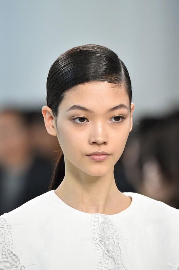 Paris Fashion Week tràn ngập những xu hướng beauty đẹp rụng rời, không ngắm quả là phí của giời - Ảnh 10.