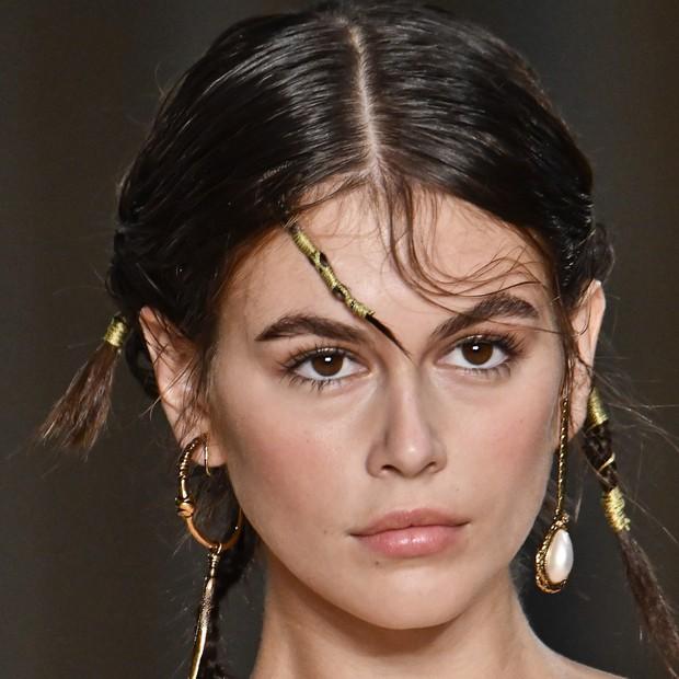 Paris Fashion Week tràn ngập những xu hướng beauty đẹp rụng rời, không ngắm quả là phí của giời - Ảnh 2.