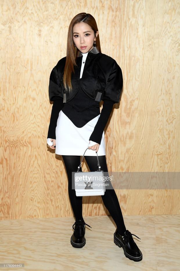 Gừng càng già càng cay: Dương Thừa Lâm chặt đẹp toàn bộ sao châu Á, chấp cả Địch Lệ Nhiệt Ba tại show Louis Vuitton - Ảnh 5.