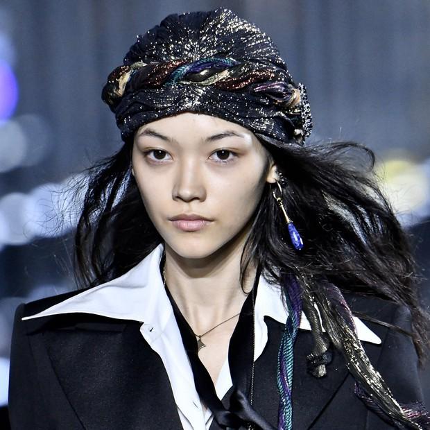 Paris Fashion Week tràn ngập những xu hướng beauty đẹp rụng rời, không ngắm quả là phí của giời - Ảnh 3.