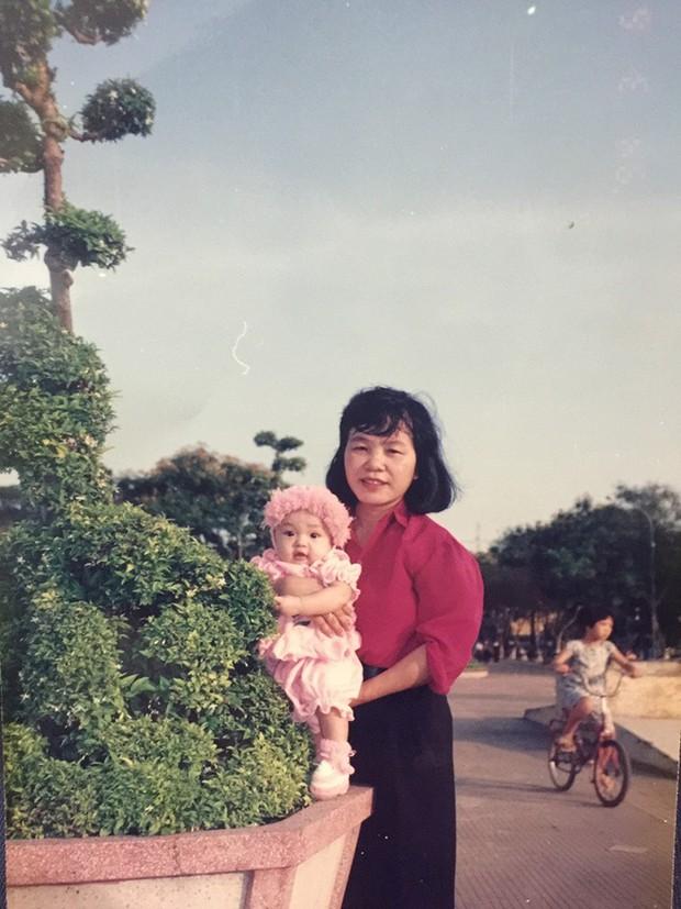 Đón 20/10 trong cô đơn, Thái Trinh viết tâm thư gửi người mẹ đã khuất tròn 10 năm gây xúc động - Ảnh 1.