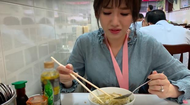 Nói tiếng Việt có thể đôi khi chưa rõ nhưng Hari Won lại rất am hiểu ẩm thực Việt, từ ngày cưới Trấn Thành còn thường xuyên đi review ăn uống như ai - Ảnh 7.