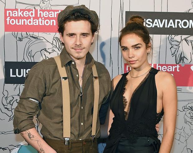 Vừa chia tay mẫu trẻ, Brooklyn Beckham hẹn hò nữ diễn viên hơn 5 tuổi: Tình mới na ná Victoria và bạn gái cũ? - Ảnh 4.