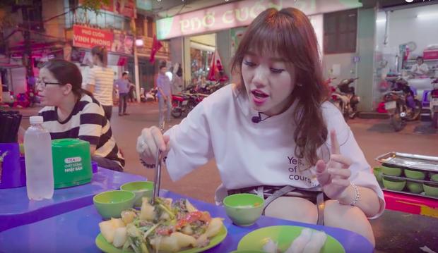 Nói tiếng Việt có thể đôi khi chưa rõ nhưng Hari Won lại rất am hiểu ẩm thực Việt, từ ngày cưới Trấn Thành còn thường xuyên đi review ăn uống như ai - Ảnh 12.