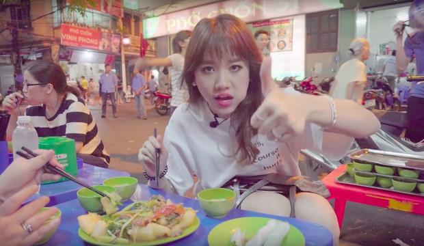 Nói tiếng Việt có thể đôi khi chưa rõ nhưng Hari Won lại rất am hiểu ẩm thực Việt, từ ngày cưới Trấn Thành còn thường xuyên đi review ăn uống như ai - Ảnh 13.