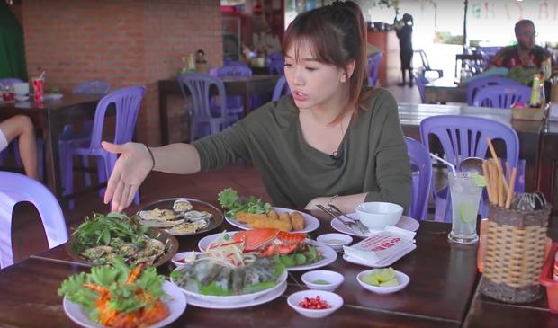Nói tiếng Việt có thể đôi khi chưa rõ nhưng Hari Won lại rất am hiểu ẩm thực Việt, từ ngày cưới Trấn Thành còn thường xuyên đi review ăn uống như ai - Ảnh 18.