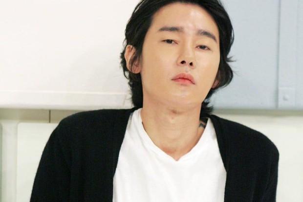 Chuyện ấm lòng giữa showbiz Hàn ồn ã: Bị bệnh, Kim Woo Bin vẫn giúp bạn chiến đấu với ung thư bằng cách này! - Ảnh 1.