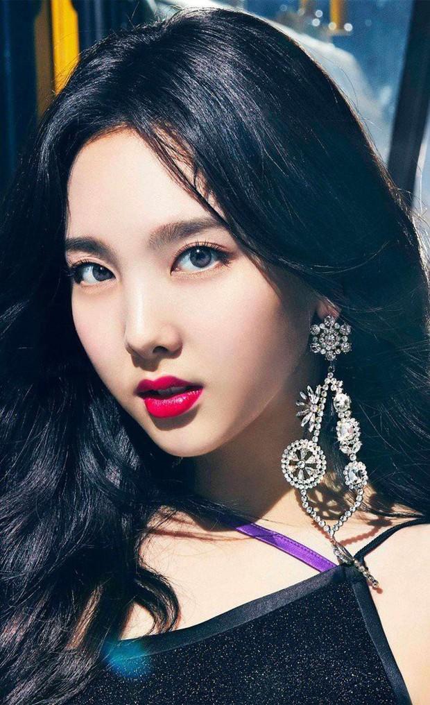 Tranh cãi top 30 nữ idol hot nhất tháng 10: BLACKPINK tụt hạng thê thảm, dẫn đầu là cái tên không ai ngờ tới - Ảnh 5.