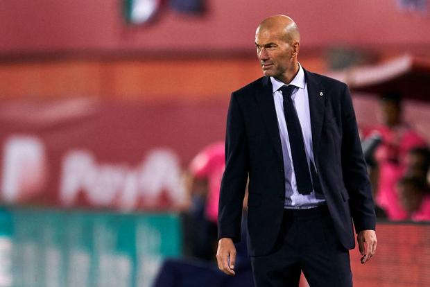 Thua sốc đội bóng trong nhóm cầm đèn đỏ, Real Madrid đánh mất ngôi đầu La Liga vào tay đại kình địch Barcelona - Ảnh 7.