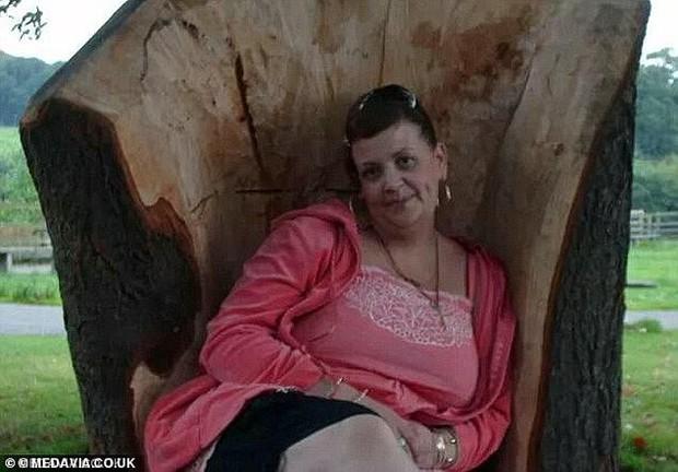 Vật lộn để ăn sau ca phẫu thuật cắt dạ dày khiến người phụ nữ ở Anh qua đời ở độ tuổi 44 - Ảnh 3.