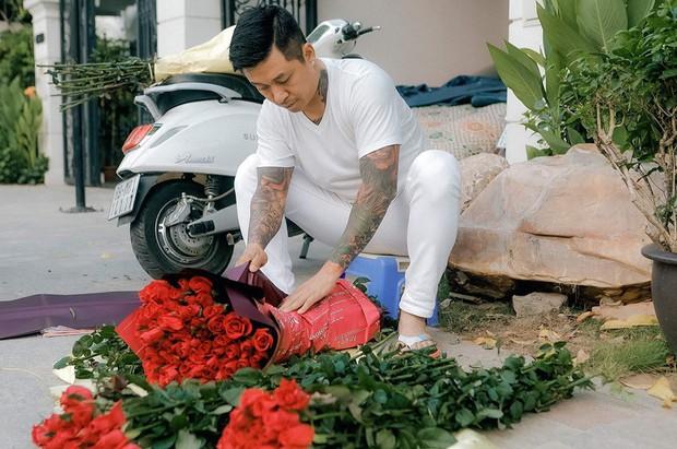 Sao Vbiz ngày 20/10: Vợ chồng Hà Tăng, Thủy Tiên cực ngọt ngào sau 10 năm gắn bó, Dương Khắc Linh tặng vợ quà khó đỡ - Ảnh 6.